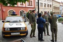 Naleštění veteráni vyrazili po stopách F .L. Věk