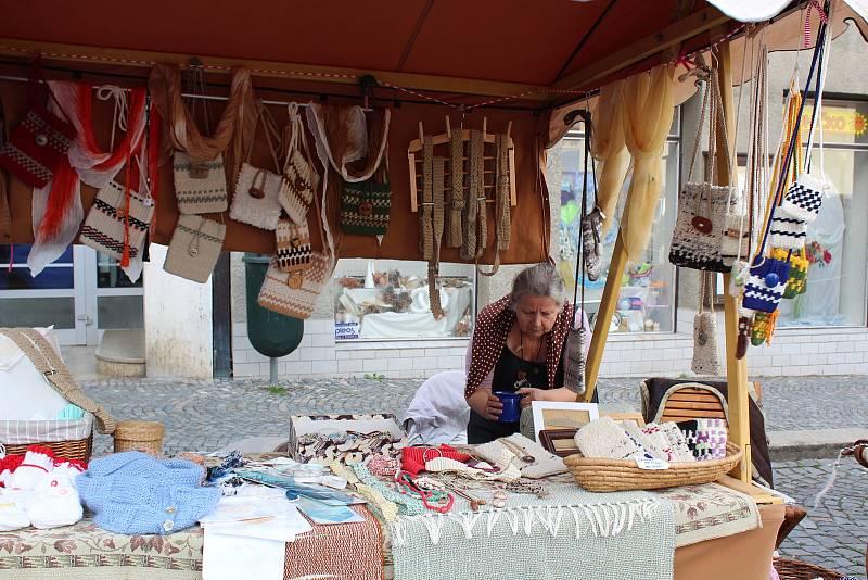 Na náměstí F. L. Věka lákal řemeslný jarmark i hudební produkce.