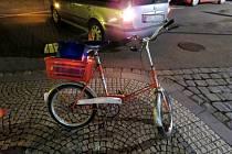 Dopravní nehoda osobního automobilu a cyklistky v Dobrušce.