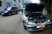 Dopravní nehoda dvou osobních automobilů v Týništi nad Orlicí.