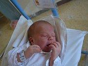 JAKUB EŠPANDR:  Chlapeček se narodil 9. května ve 13:31 mamince Stanislavě Petrů a tatínkovi Lukášovi Ešpandrovi z Javornice s váhou 3860 gramů a délkou 53 cm. Tatínek porod zvládl perfektně, jako naprostý profík. Doma se na všechny těšila Alenka (2,5 r.)