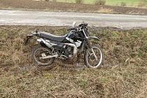 Po nehodě na motorce byl mladík transportován vrtulníkem do hradecké Fakultní nemocnice.
