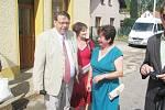 Vrbice podruhé Vesnicí roku Královéhradeckého kraje. Gratulovat přijel i hejtman Lubomír Franc, kterého po obci provedla sama starostka.