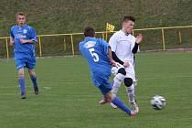 DALŠÍ VÝHRU zaznamenali v krajském přeboru dorostenci FC Spartak Rychnov nad Kněžnou (v bílých dresech), když na domácím trávníku porazili B-tým RMSK Cidlina 3:1.