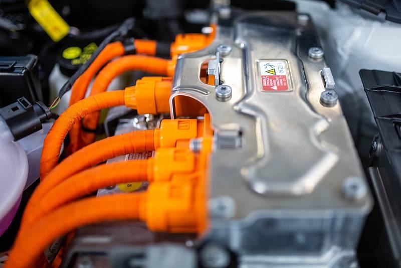 Závod Škoda Auto Kvasiny a výroba automobilů.