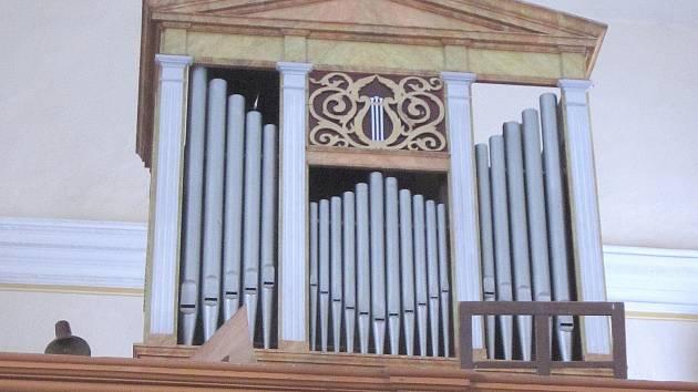 Varhany v kostele sv. Máří Magdalény v Olešnici v Orlických horách.