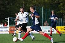 Okresní derby krajské I. B třídy Černíkovice - Ohnišov vyhrál domácí tým 1:0.