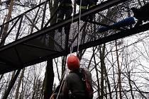 Záchrana horolezce na Skuhrově