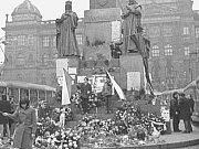 VÁCLAVSKÉ NÁMĚSTÍ v Praze v den pohřbu J. Palacha.