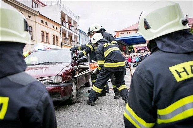 V Dobrušce se opět po roce uskuteční Den bezpečnostních a záchranných složek. Na náměstí F. L. Věka se představí hasiči, policisté, záchranáři či vojáci.