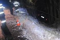 Při havárii u Sedloňova se zranili dva lidé.
