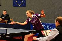 ČTYŘI BODY získala celkem ve dvouhrách v extraligových domácích zápasech s Havířovem a Frýdlantem nad Ostravicí doberská stolní tenistka Daniela Rozínková (na snímku).