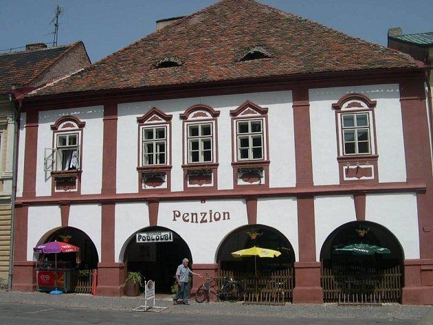 Restaurace a penzion Podloubí.