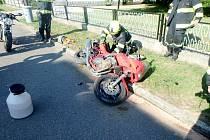 Havárie motocyklu v Doudlebách nad Orlicí.