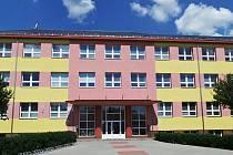 Základní škola v Týništi nad Orlicí.