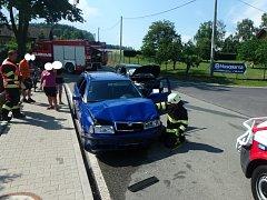 Dopravní nehoda dvou osobních automobilů vobci Lokot.