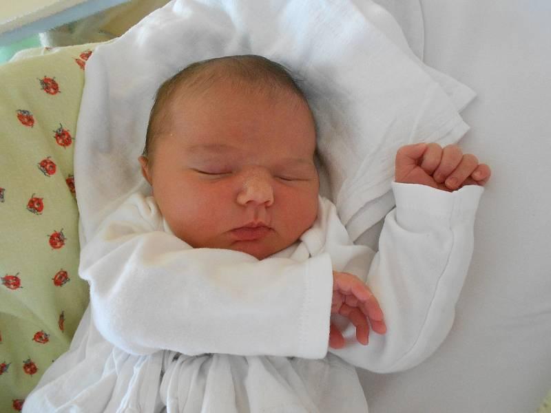 VALERIE PŘIBYLOVÁ přišla na svět 23. července. Vážila 3920 g a měřila 52 cm. Velkou radost udělala svým rodičům Dominice a Michalu Přibylovým z Častolovic, Tatínek byl u porodu pro maminku velkou oporou.