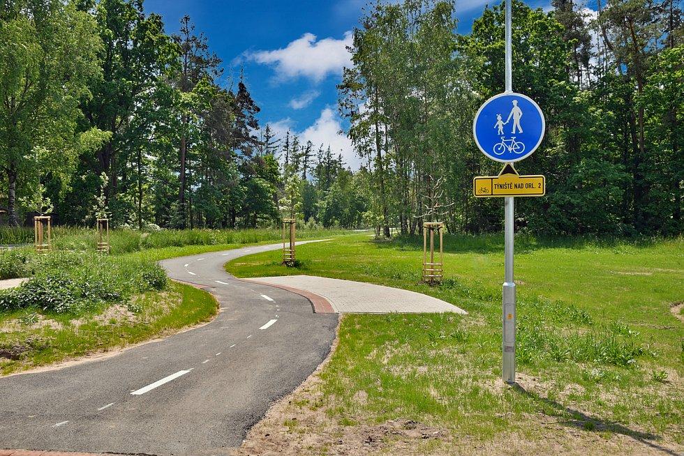 Nová cyklostezka vede z Týniště nad Orlicí do Křivic.  Foto: Martin Tobiška