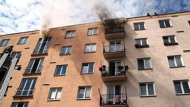 Požár bytu: Zranění a škoda za milion a půl