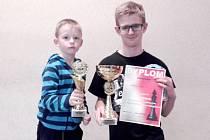 Nejmladší účastník turnaje Václav Kroulík z Opočna a Jan Horák, vítěz turnaje Swieto Niepodlegosci.