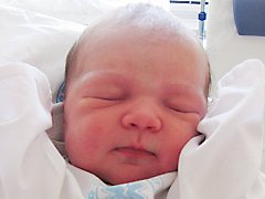 ELENA BROUČKOVÁ: Rodiče Kamila Císařová a Jan Brouček z Kvasin přivedli na svět dceru. Narodila se 29. srpna v 1.37 hodin s váhou 3,15 kg a délkou 50 cm. Tatínek byl u porodu velkou oporou.