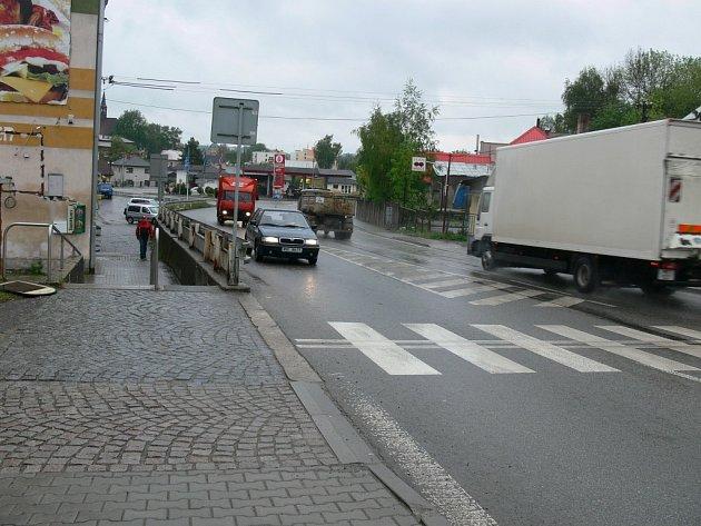 Přechod v Jiráskově ulici v Rychnově nad Kněžnou