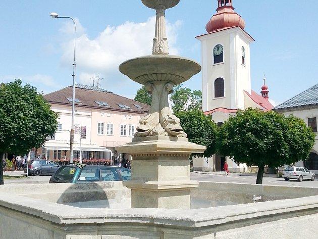 Kašna na rokytnickém náměstí