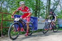 Michal Kaněra z Ghost teamu (č. 49) si dojel pro sedmé vítěství  v rychnovském Stalak Bike Cupu.