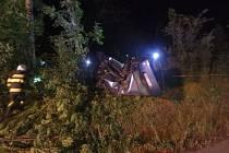 Havárie osobního automobilu v rychnovské části Dlouhá Ves.