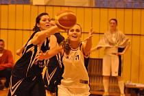 Týnišťská sportovní hala U Dubu bude o víkendu 6. a 7. dubna patřit významné basketbalové události.