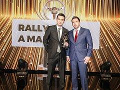 Rekordman Jan Kopecký (vlevo) již po desáté ovládl kategorii Rally a maratony a získal jubilejní Zlatý volant.