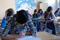 Žáci usedli do lavic ke zkouškám