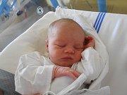 Jonáš Koblmüller se narodil 18. listopadu 2018 ve 3.45 hodin Karolíně a Milošovi Koblmüllerovým z Týniště nad Orlicí. Měřil 48 cm a vážil 3 000 g. Tatínek byl u porodu velkou oporou a povzbuzením. Z miminka se těší i bráška Šimon.