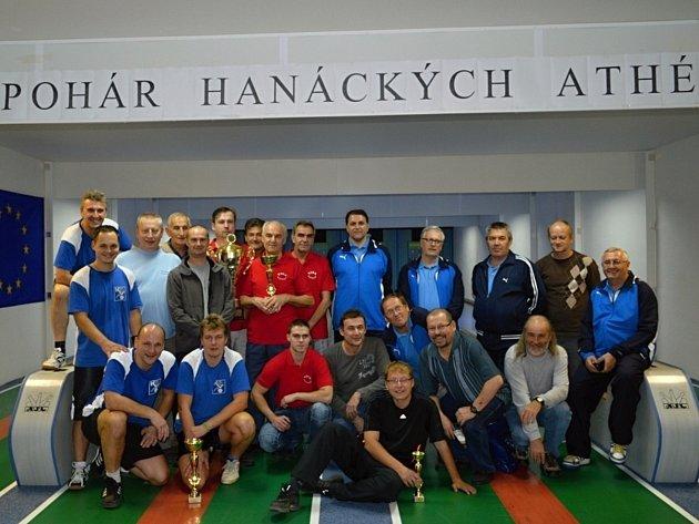 Účastníci třetího ročníku Mezinárodního mistrovství neregistrovaných kuželkářů.