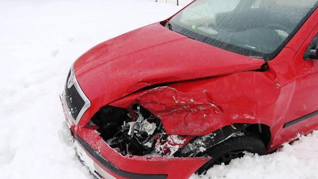 Řidič se snažil střetu zabránit, ale zabrzdila ho až brána
