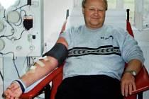 Bezplatně daruje krev, aby pomohl druhým. Vladimír Krupka má za sebou již čtyři sta odběrů a nekončí.