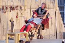 Herci z mosteckého divadla hráli na přehlídce