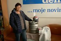 Libuše Dostálková z Rychnova n. K. získala za celkové prvenství sud piva Tambor, fotbalový míč podepsaný hráči FC Hradec Králové a další ceny od Elektro Berry a Rychnovského deníku.
