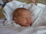 ANNA MARČÍKOVÁ se narodila 2. června v 0:37 jako první dcera Mirky a Petra z Byzhradce. Holčička po narození vážila 3400 gramů. Tatínek zvládl porod statečně. Doma se na mladší sestřičku těšil Péťa.
