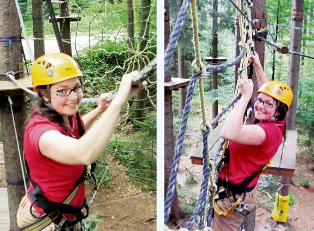 Lanový park skýtá vyžití všem věkovým kategoriím. Šéfredaktorka Silvie Špryňarová si to užila i přesto, že se bojí výšek.