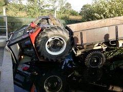 Havárie traktoru v Častolovicích.
