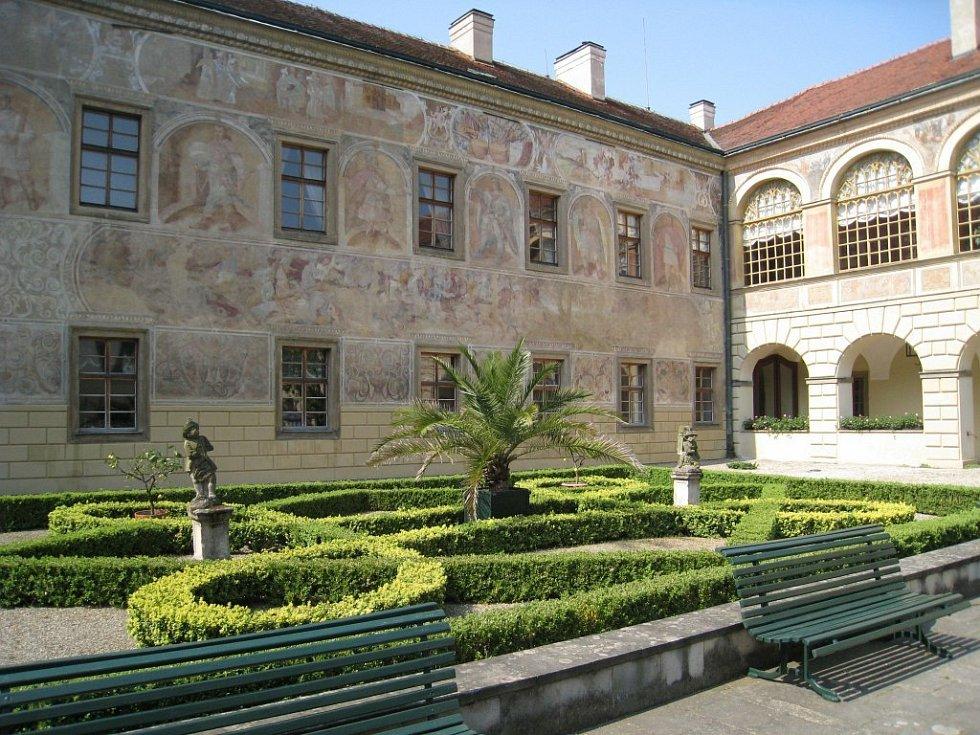 Častolovický zámek se porvé otevřel veřejnosti  na Svátek práce
