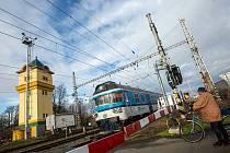 Týniště nad Orlicí – Přijďte si prohlédnout venkovní výstavu u příležitosti Dne železnice a 5. výročí výstavby nástupišť. Můžete zhlédnout stavební vývoj a další zajímavosti ze 145 let života týnišťské železniční stanice. Na událost se vydejte o nadcházej