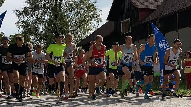 Běžecký závod v Sedloňově.