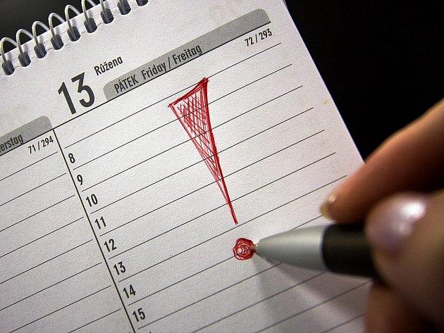 Pátek třináctého považují mnozí lidé za nešťastný den.