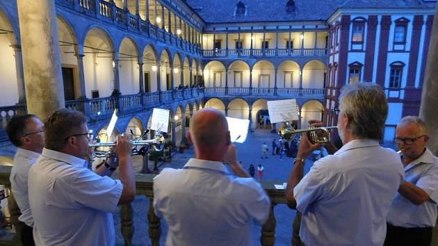 Noční prohlídky zámku Opočno ve společnosti dvou šlechtických rodů.
