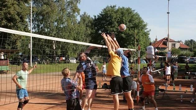Volejbalový turnaj v Česticích