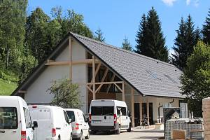 Nová budova Základní školy speciální Neratov.