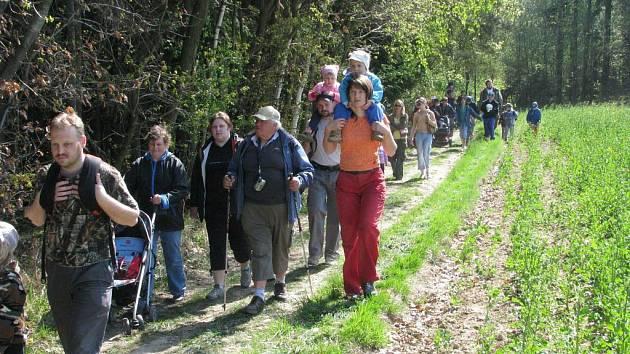 Turistický pochod Cikánské toulky s proslulým pohádkovým lesem se v Ohnišově uskutečnily letos už po pětatřicáté.