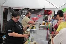 Pivní festival v Kounově si návštěvníci užili. Pivo teklo proudem.